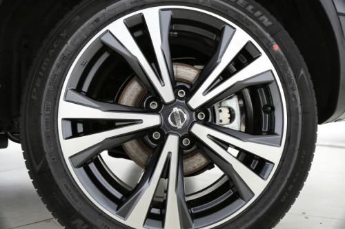 NISSAN Qashqai 1.2 DIG-T N-CONNECTA + DESIGN PACK