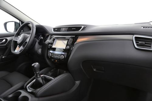 NISSAN New Qashqai 1.3 DIG-T TEKNA + GLASS ROOF